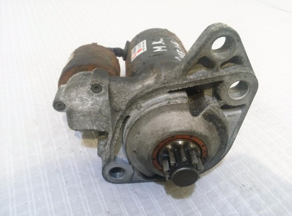 VW GOLF IV 1.6 B  Štarter