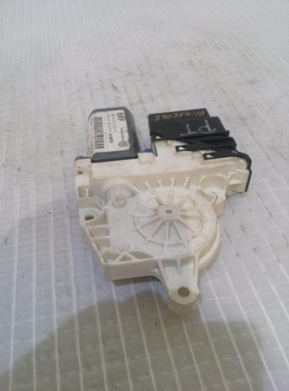 Motorček sťahovania okien  zadný pravý VW Touran I 1. 9 TDI r.v 2004  1K0959704B