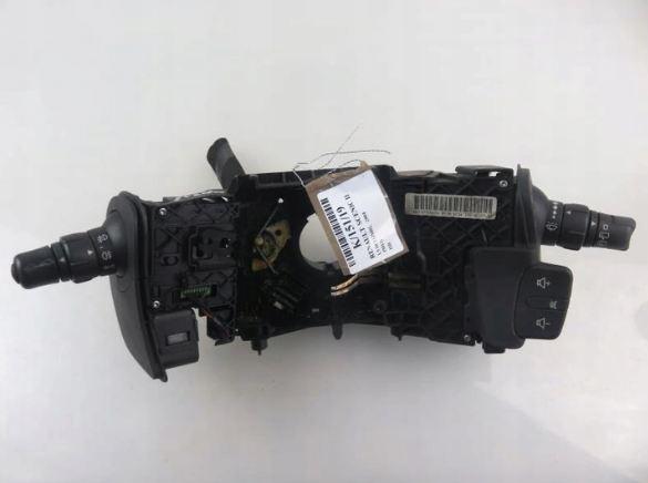 Prepínač kombinovaný Renault Scenic II 8200127727