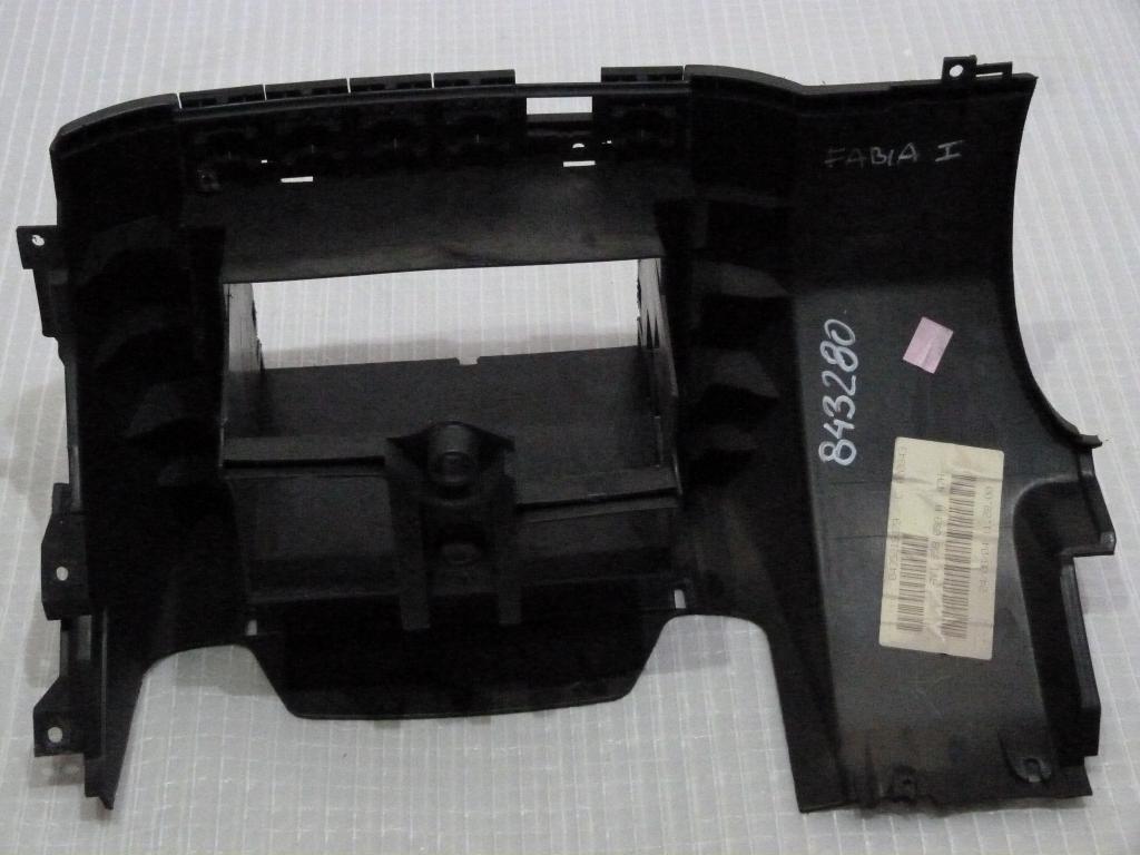 Stredový panel, rámček rádia Škoda Fabia I Combi r.v. 99-08 6y1858089a