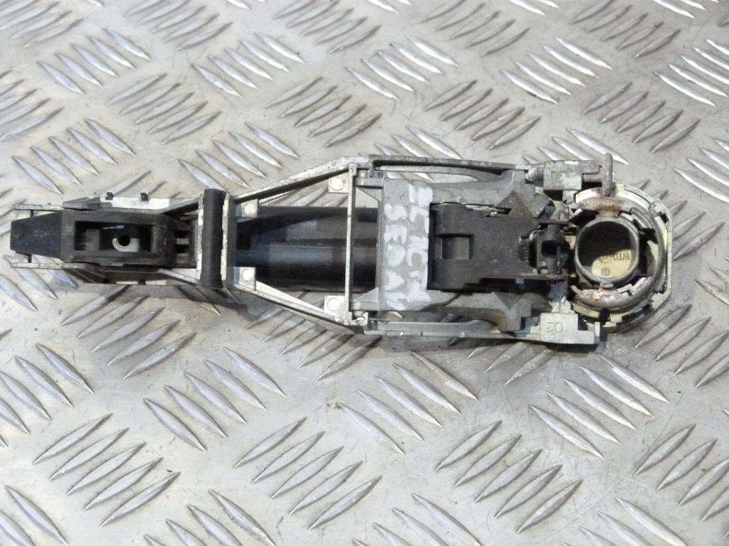 Kľučka zadná vonkajšia Škoda Octavia I, VW Golf IVV, Bora, Passat B5 3b0837885,3b0837886