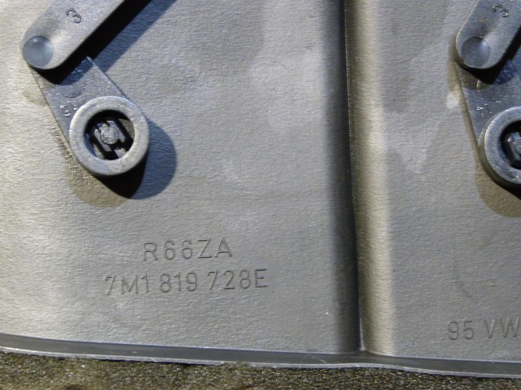Mriežka kúrenia stredná VW Sharan, Seat Alhambra, Ford Galaxy MK1 r.v. 1996-2000 7m1819728e