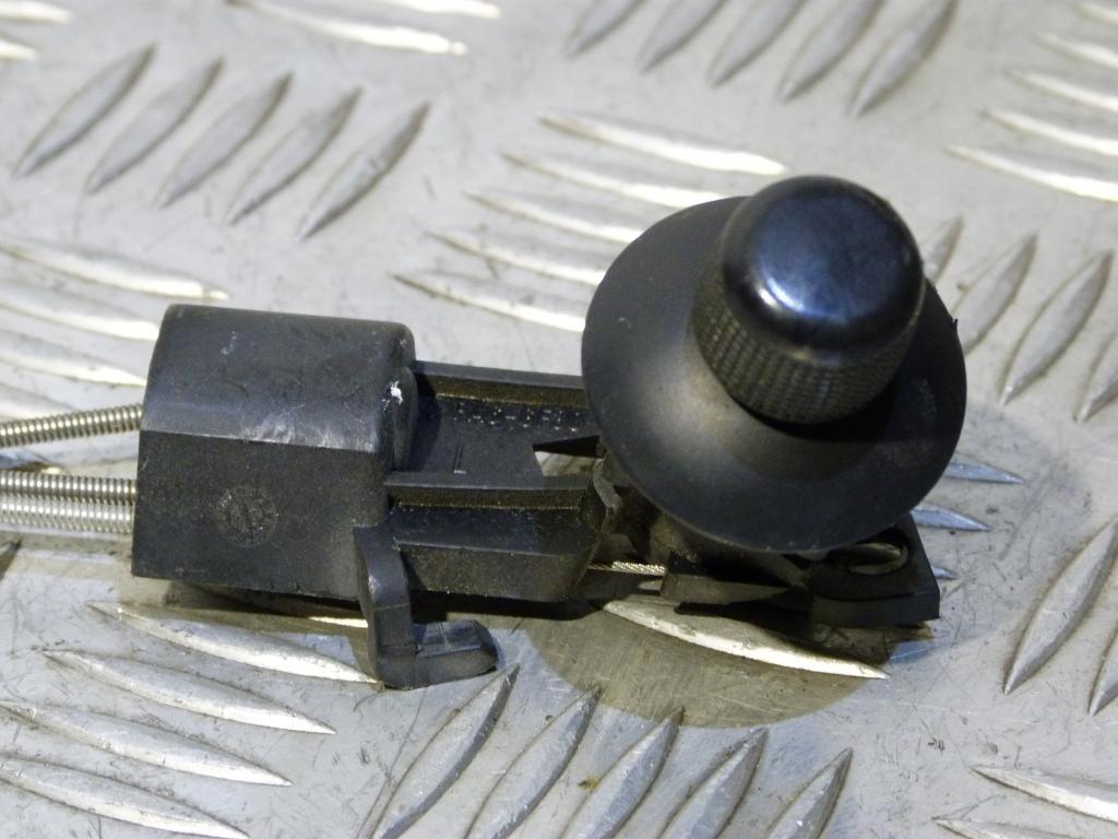 Spätné zrkadlo vonkajšie ľavé mechanické Škoda Fabia I r.v. 1999-2007 (poškodený plast)