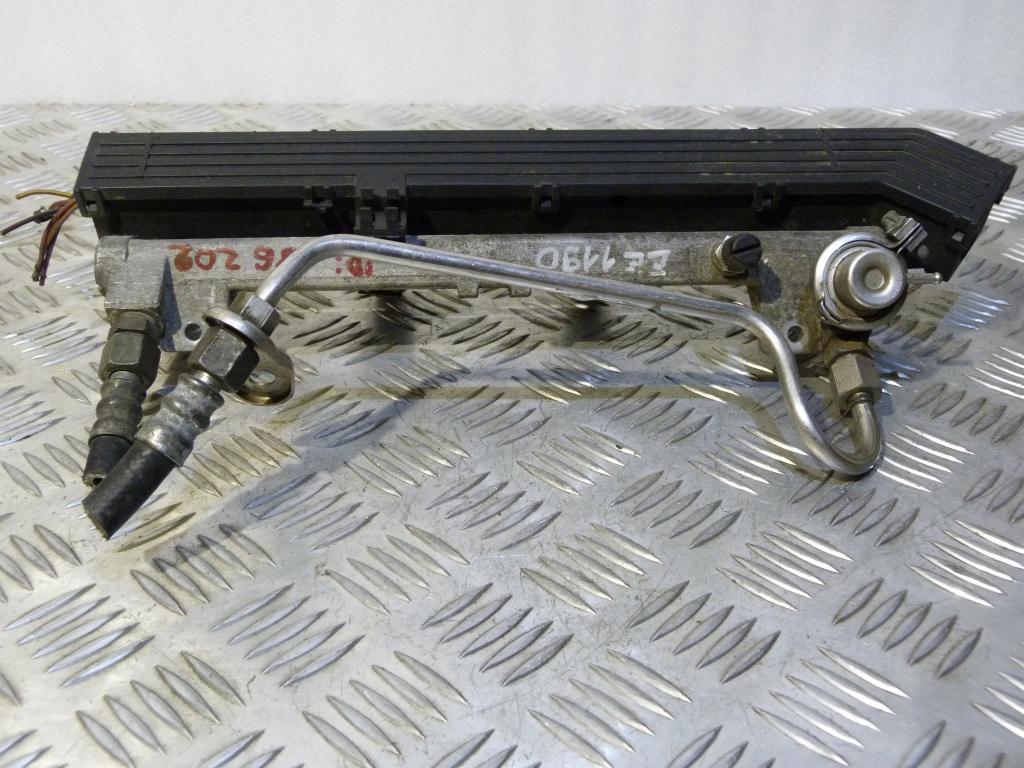 Vstrekovacia lišta, vstrekovacie ventily Opel Vectra B, Astra G, Omega B 1.8B, 2.0B 90411551, 90501588