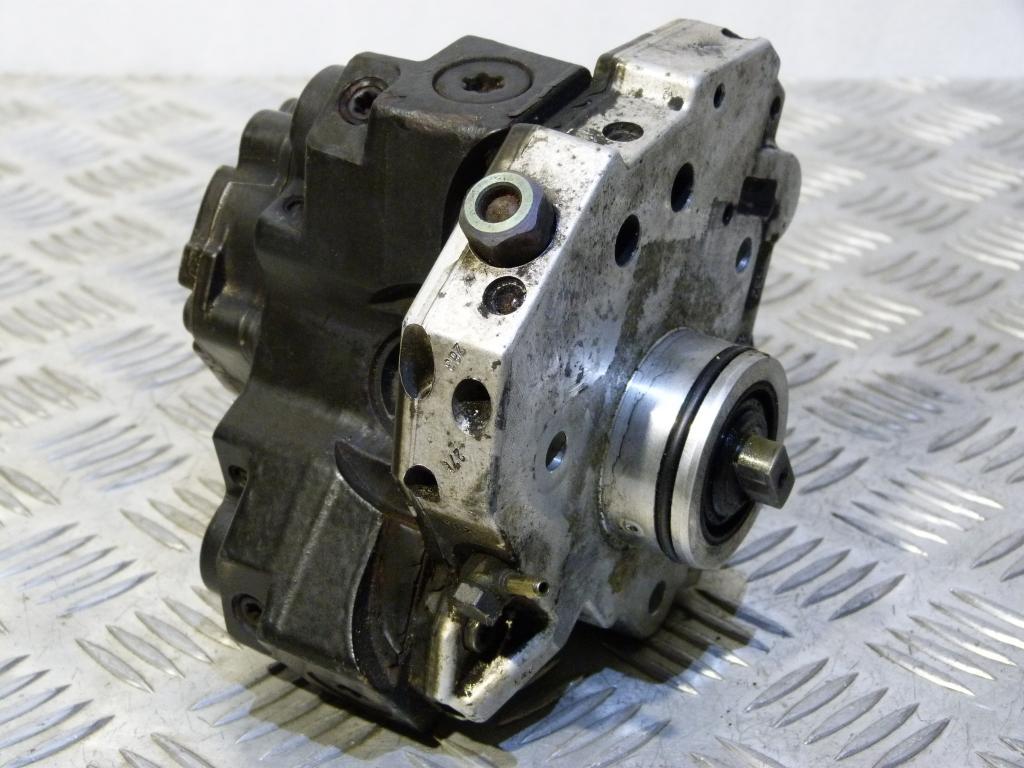 Vstrekovacie čerpadlo Volvo S60, S80, XC70, V70, XC90 2.4D 0445010043 Bosch