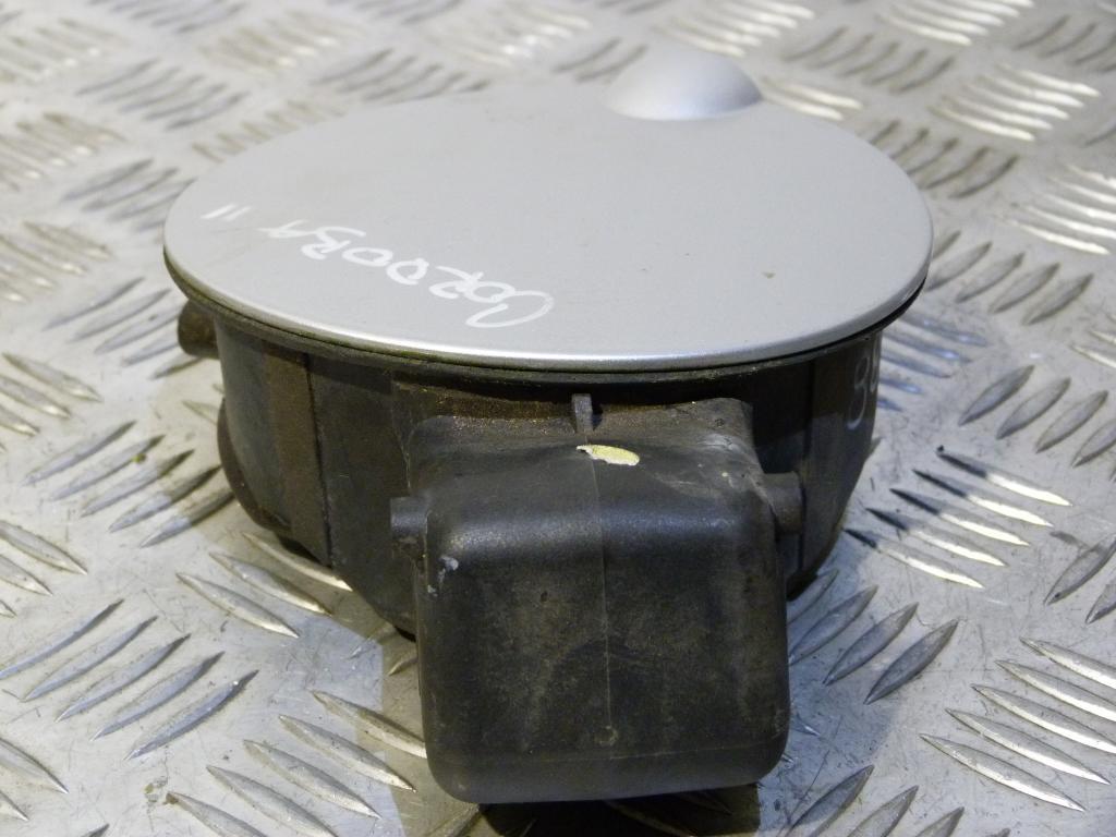 Dvierka otvárania palivovej nádrže Seat Cordoba II (6L2) 6l5809905c