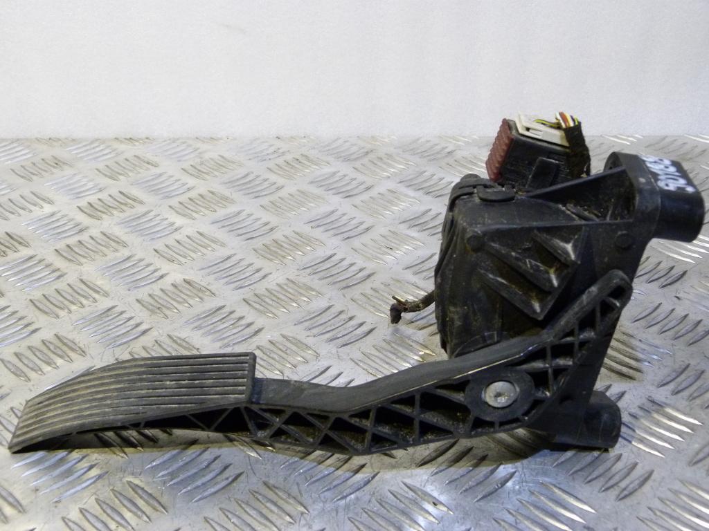 Potenciometer plynového pedálu Opel Astra G, Astra H, Zafira B 1.4B, 1.6B, 2.2B, 1.7D, 1.9CDTI,  9157998 BK, 6pv008112-00 6PIN
