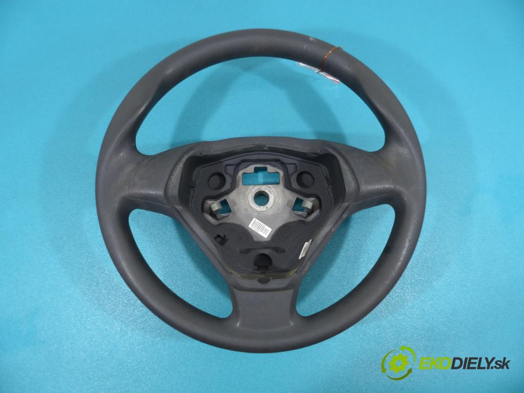 Fiat Punto Grande 1.4 8V 77 HP  57 kW 1400 cm3  Volant  (Volanty)