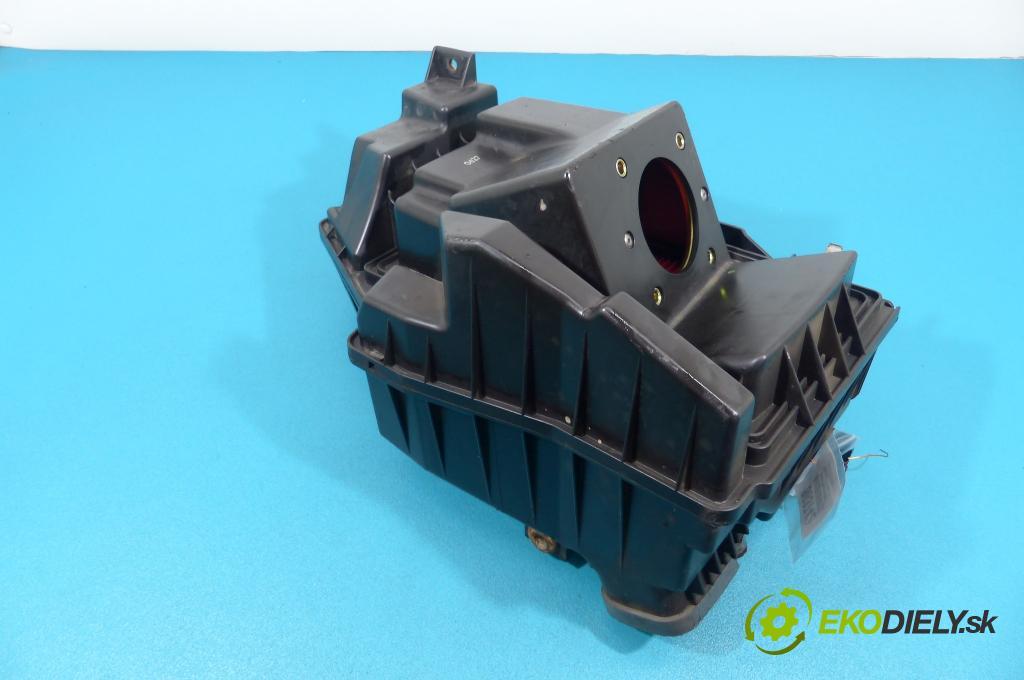Nissan Maxima A33 99-03 3.0 V6 200 hp automatic 147 kW 2988 cm3  obal filtra vzduchu  (Kryty filtrů)