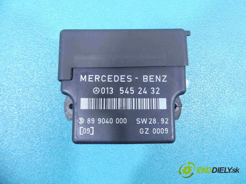 Mercedes 124 2.5d 90 HP manual 66 kW 2479 cm3  relé 0135452432 (Relé)