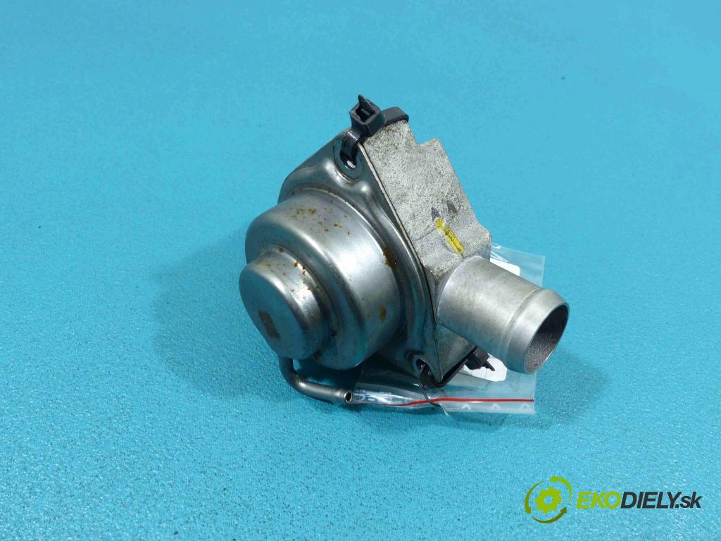 Hyundai i20 II 2014 - 1.0 101 HP manual 74 kW 998 cm3  Ventil  (Ventily)