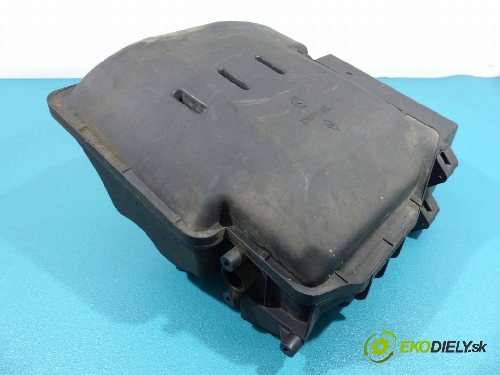 Renault Megane I 1995-2003 1.6 16V - 107 HP manual 79 kW 1598 cm3  obal filtra vzduchu 8200023599A (Kryty filtrů)