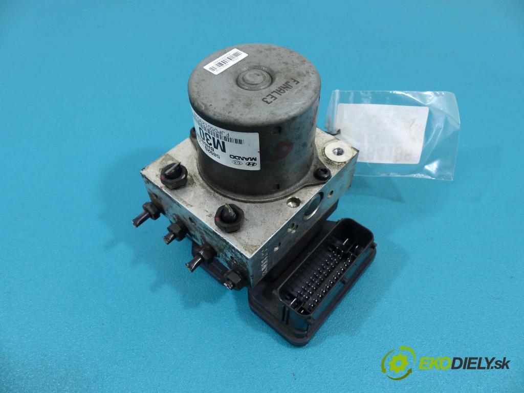Hyundai Ix35 2.0 16V - 163 HP manual 120 kW 1998 cm3  Pumpa ABS 58920-2Y300 (Pumpy ABS)