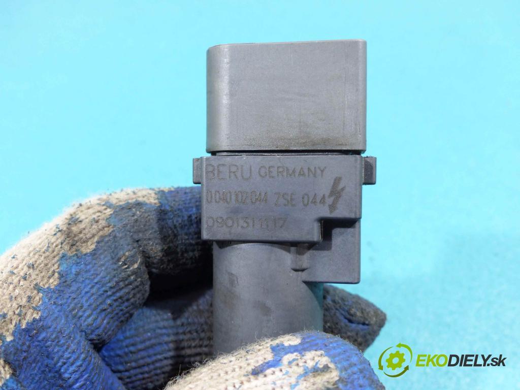 Vw Phaeton 3.2 V6 241km automatic 177 kW 3189 cm3 4- Cievka zapaľovacia 0040102044 (Zapaľovacie cievky, moduly)