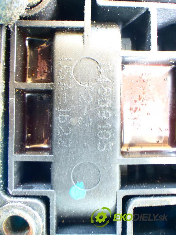 Chrysler Voyager IV 2.4 147 HP manual 108 kW 2429 cm3 5- cievka zapaľovacia  (Zapaľovacie cievky, moduly)