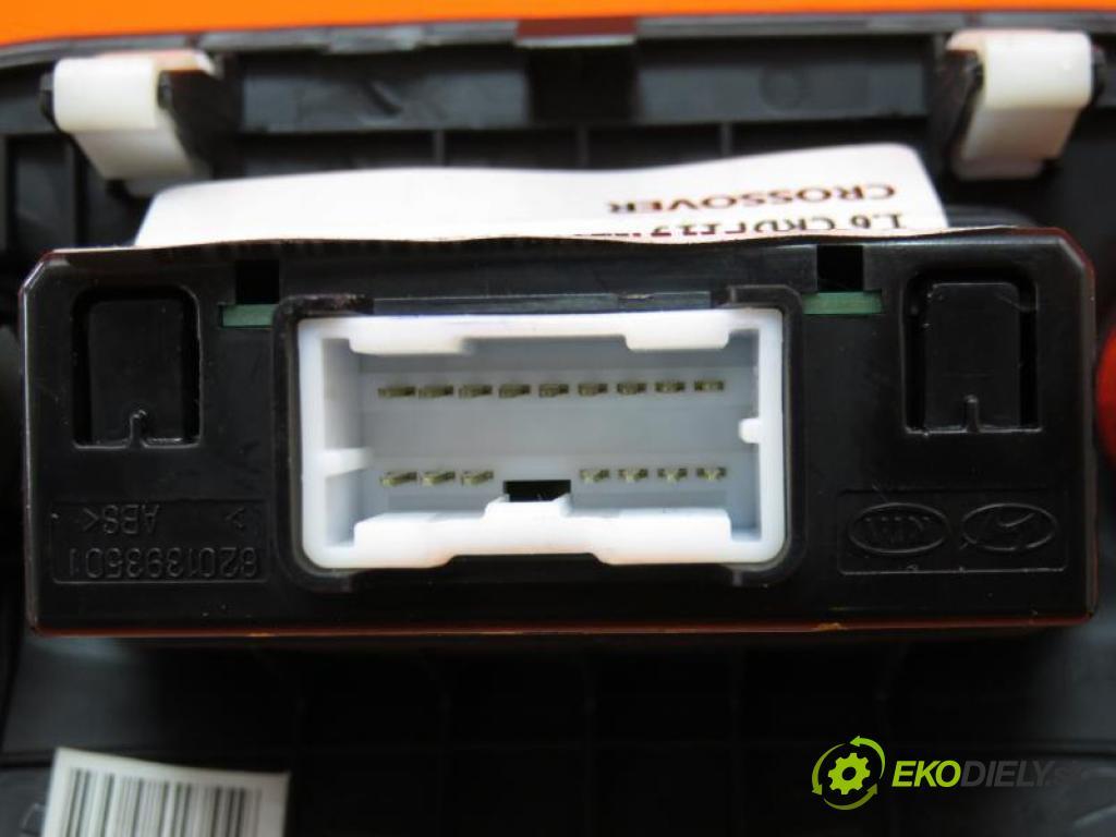 KIA SOUL 1.6 CRDI 115 D4FB manual 5 - stupňová 85 kW 115 km  zapalovač 6201393501/961202K000 (Ostatné)