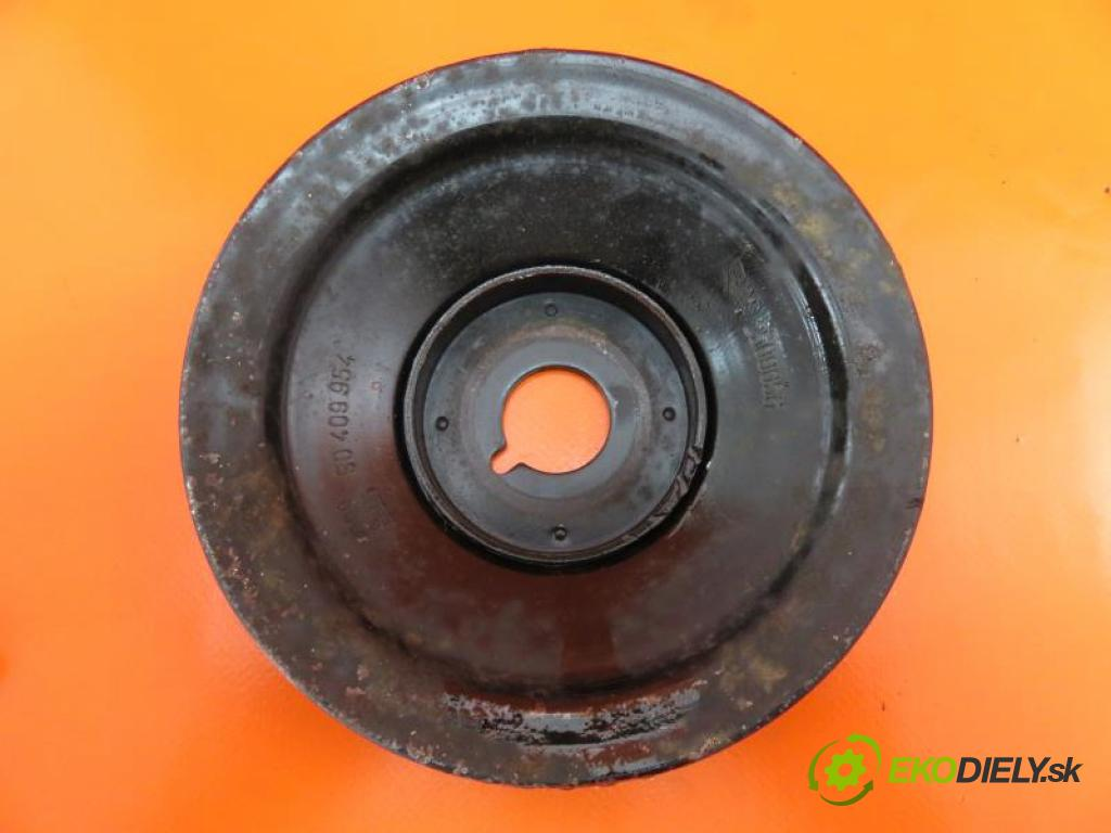 OPEL CORSA B 1.2 8V X12NZ  manual 5 - stupňová 33 kW 45 km  Koleso kolesová Vačkového hriadeľa/kľuky 90409954 (Remenice)