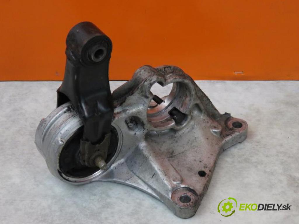 PEUGEOT 206 2.0 HDI 90 RHY (DW10TD) manual 5 - stupňová 66 kW 90 km  podpera poloosi 96358893 (Ostatné)