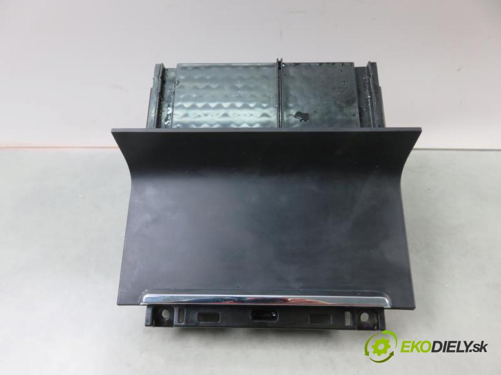 SKODA SUPERB II 2.0 TDI CBBB, CFGB manual 6 - stupňová 125 kW 170 km  Popolník 3T0863077B (Popolníky)