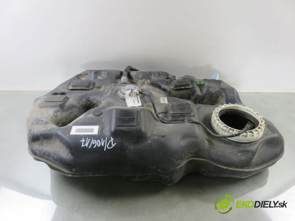 TOYOTA AURIS I (E15) 1.8 HYBRID 2ZR-FXE automatic  73 kW 99 km  Nádržka paliva benzín 771110BJ00/7710047090 (Nádrže)
