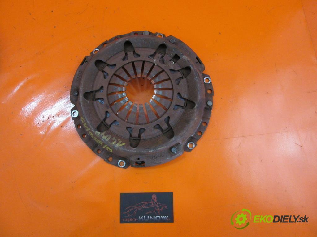 TOYOTA YARIS I (VNK) 1.4 D-4D 1ND-TV   55 kW 75 km  Koleso zotrvačníkové  (Zotrvačníky)