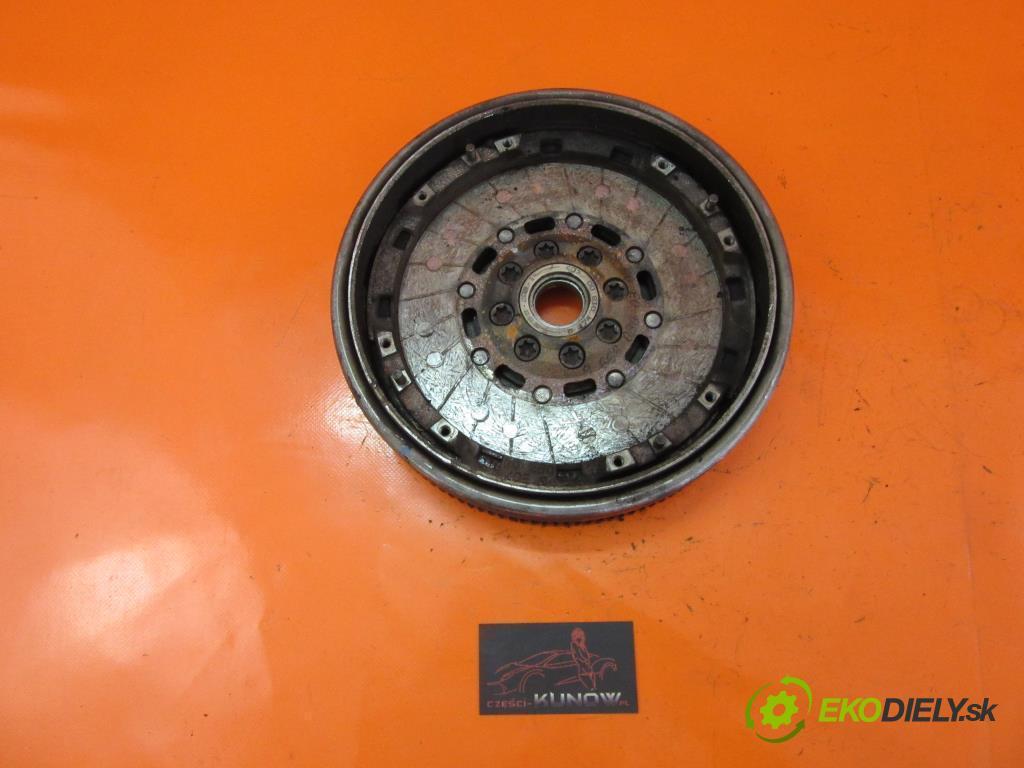 RENAULT SCENIC I 1.9 DCI RX4 F9Q 740   75 kW 102 km  Koleso dvojhmota  (Dvojhmotné zotrvačníky)