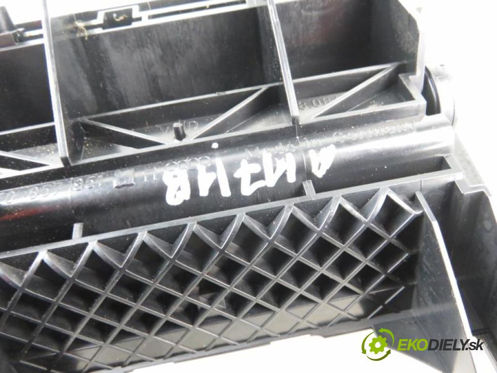 AUDI A4 B7 (8EC) 2.0 TDI 16V BLB, BRE manual 6 stupňová 103 kW 140 km  Popolník 857951H/8E0857989B (Popolníky)
