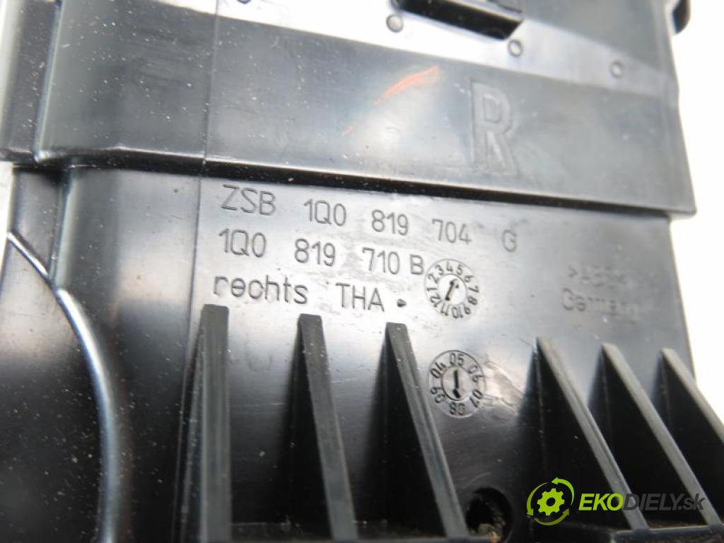 VW SCIROCCO III 2.0 TSI CAWB manual 6 stupňová 147 kW 200 km  Mriežky kúrenia pravá 1Q0819704G/1Q0819710B (Mriežky kúrenia (fukáre))