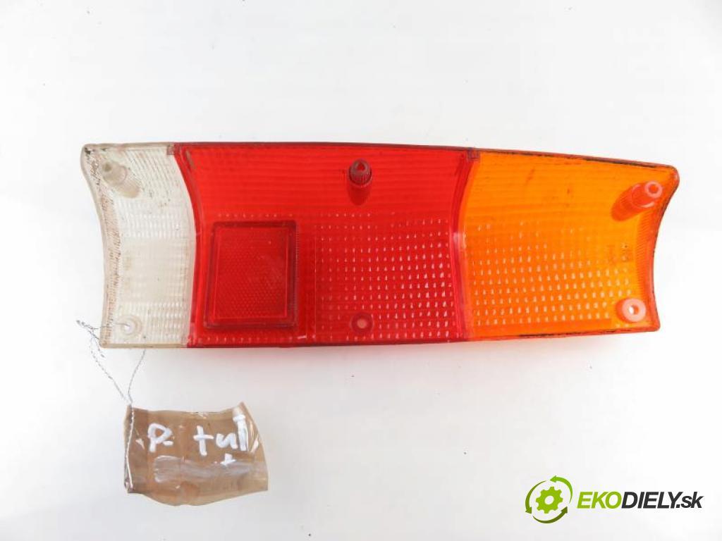 ISUZU TROOPER I 2.3 B  (UBS) 4ZD1 4ZD1 manual 5 stupňová 4X4 66 kW 90 km  Svetlo pravé zadné  (Svetlá zadné)