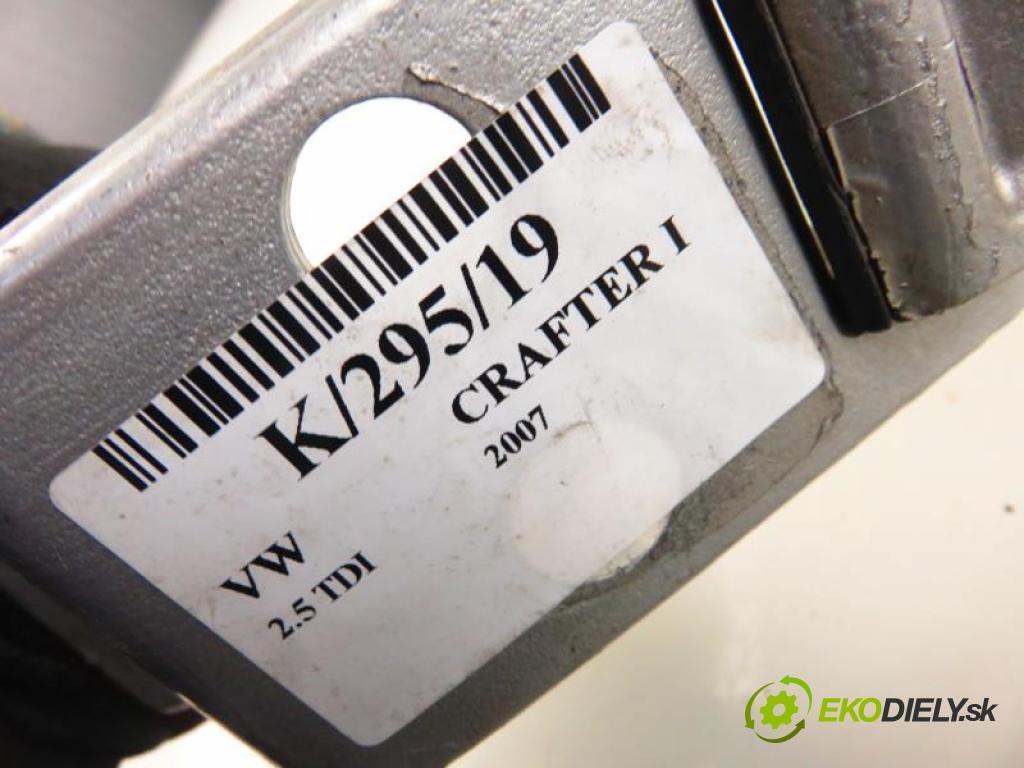 VW CRAFTER I 2.5 TDI BJK, CEBB manual 6 stupňová 80 kW 109 km  Záves Dvere zad. A9067400637 (Závesy)