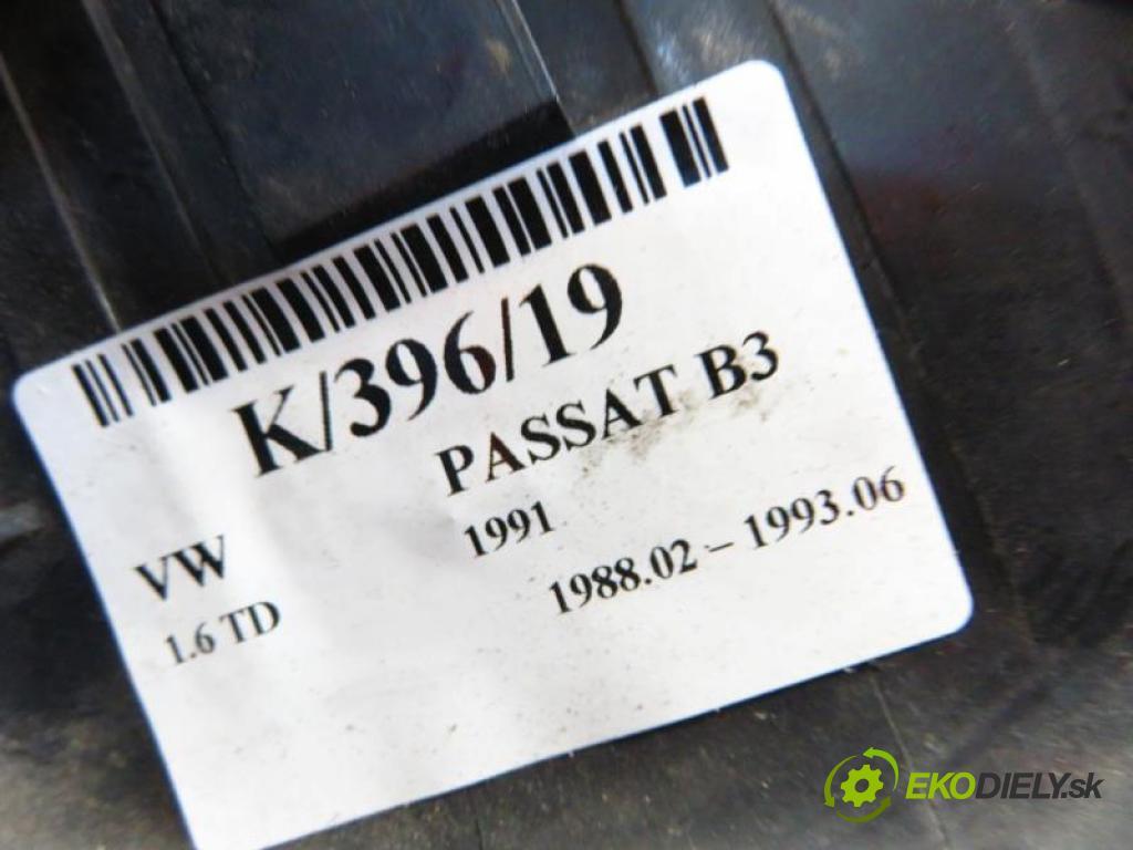 VW PASSAT B3   1.6 TD SB, RA manual 5 stupňová 59 kW 80 km  Smerovka PP 357953050 (Smerovky)