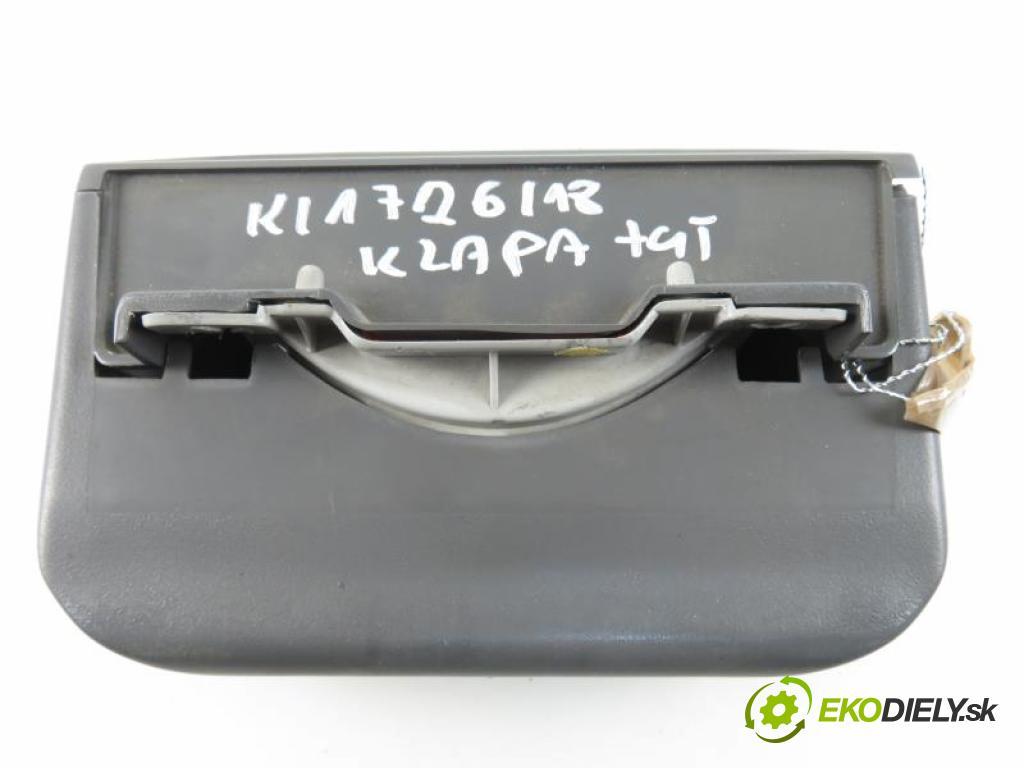 KIA SPORTAGE I FL 2.0 16V 4WD FE (16 V) manual 5 stupňová 4X4 94 kW 128 km  svetlo bŕzd  (Brzdové svetlá zadné (horné))