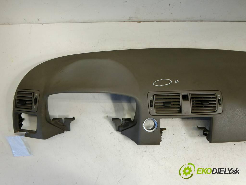 Volvo S40 II  2004  SEDAN 4D 2.0D 136KM 04-07 2000 Palubná doska  (Palubné dosky)