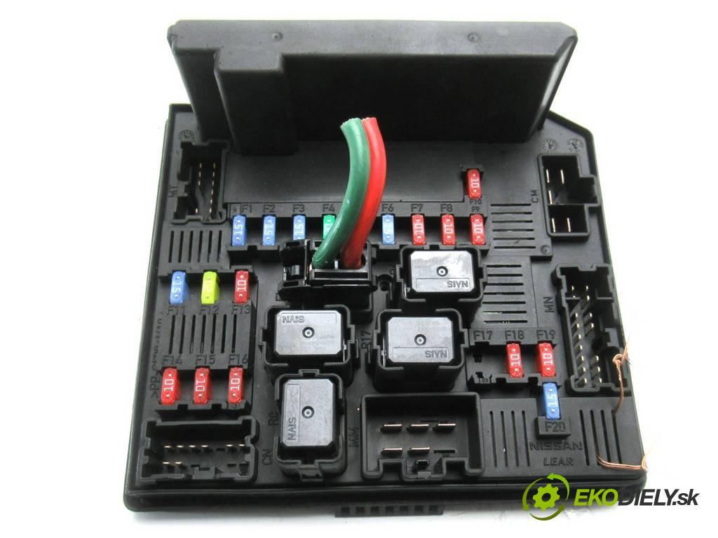 Nissan Qashqai  2012  LIFT 1.6B 117KM 06-13 1600 Skrinka poistková 522794F01 (Poistkové skrinky)
