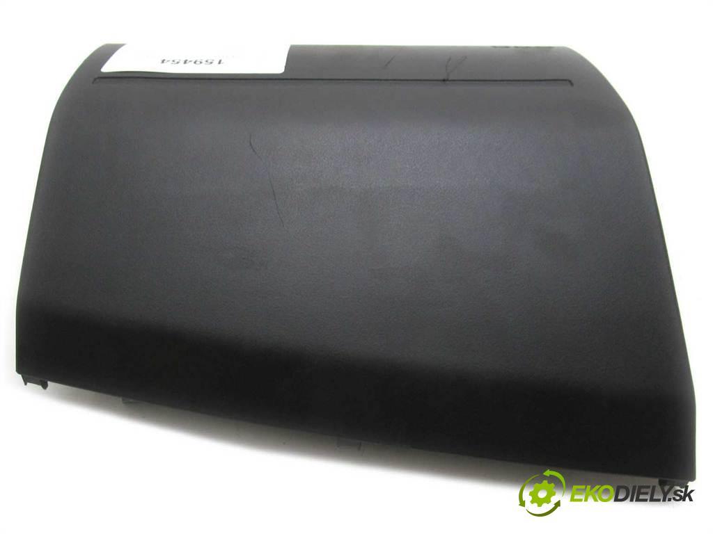 Nissan X-Trail  2002  T30 2.2DCI 114KM 01-07 2200 Kryt silentbloku spolujazdca  (Plasty, kryty, obaly interiéru)