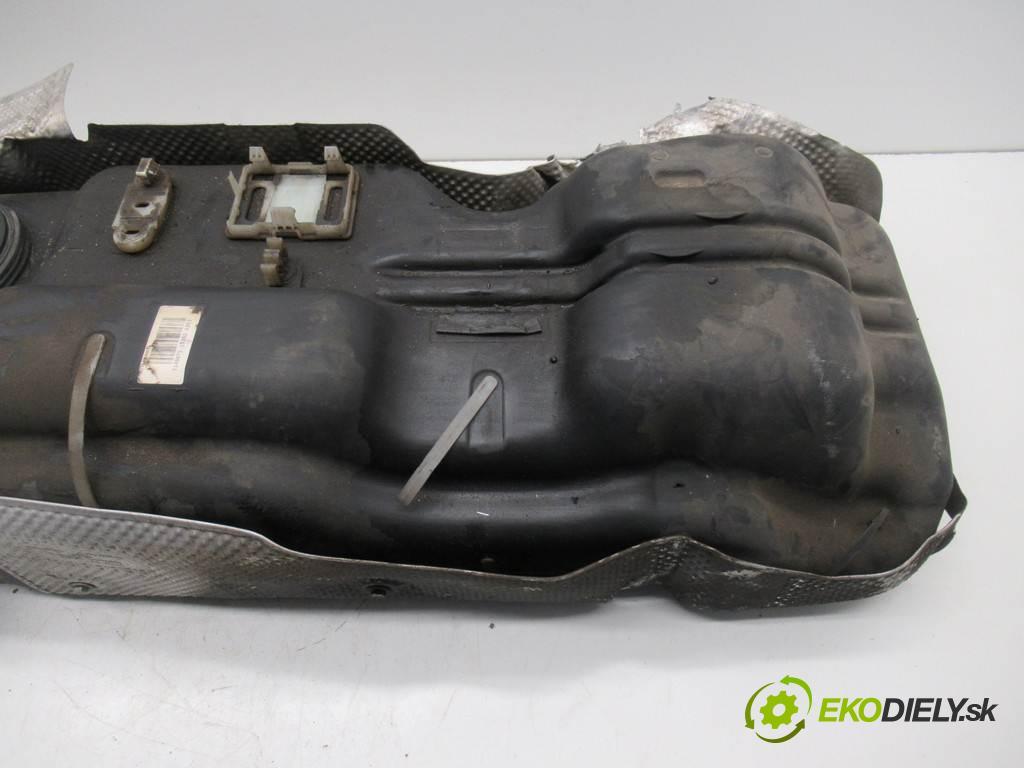 Opel Movano B    LIFT L3H2 RWD 2.3CDTI 163KM 10-  nádrž  (Nádrže)