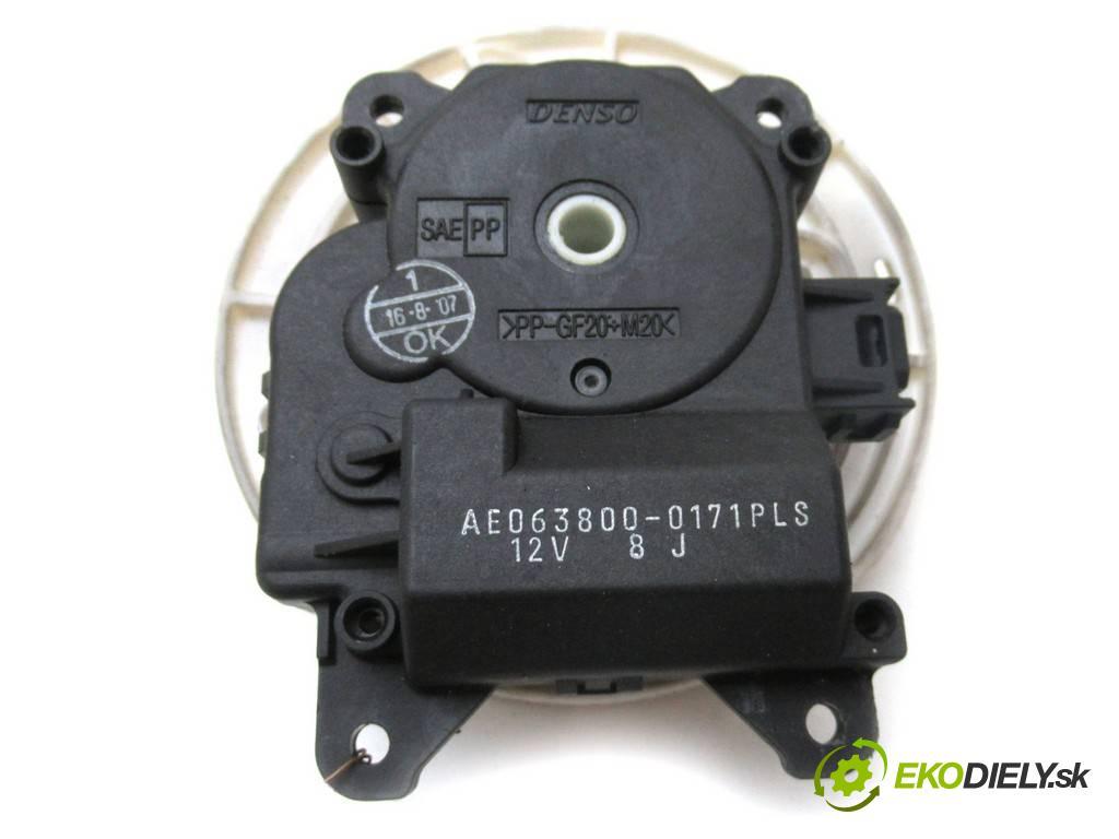 Toyota Avalon    X3 USA SEDAN 4D 3.5B 272KM 05-08  Motorček kúrenia 063800-0171 (Motorčeky kúrenia)