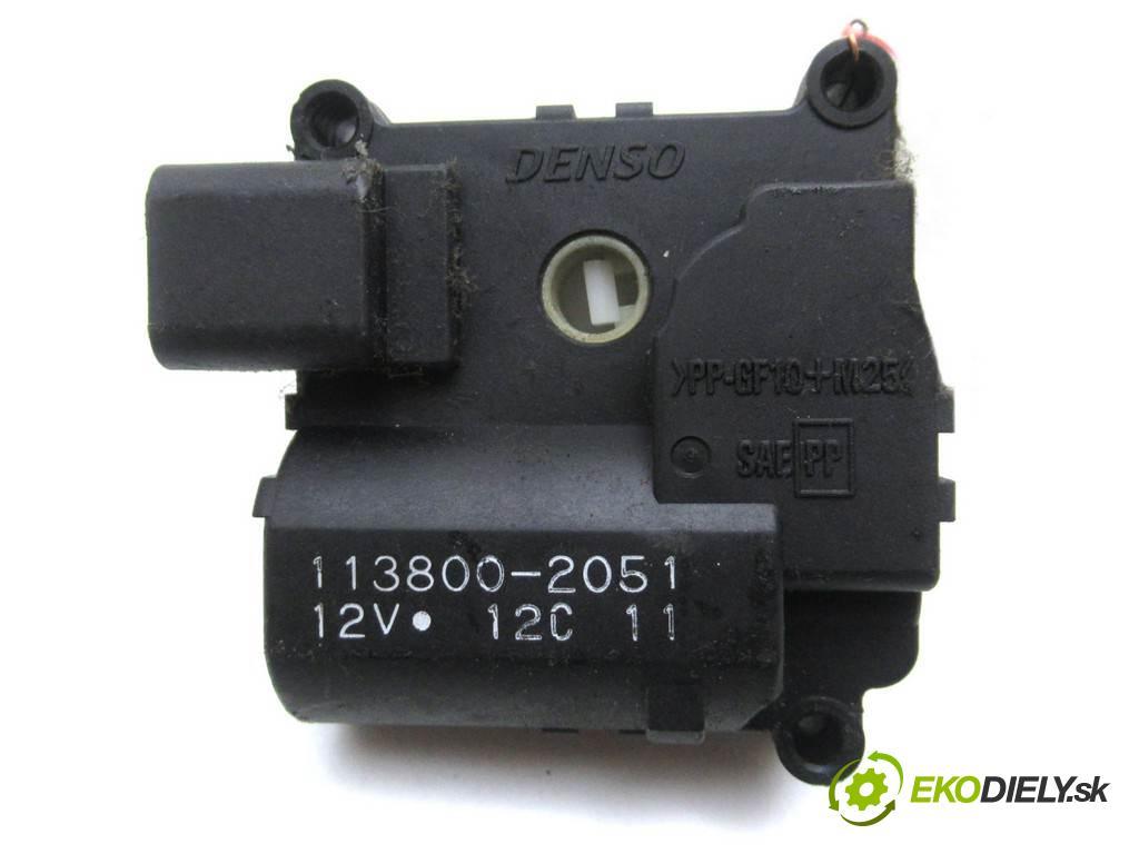 Toyota Corolla Verso    2.0D-4D 116KM 01-04  motorek topení 113800-2051 (Motorky topení)