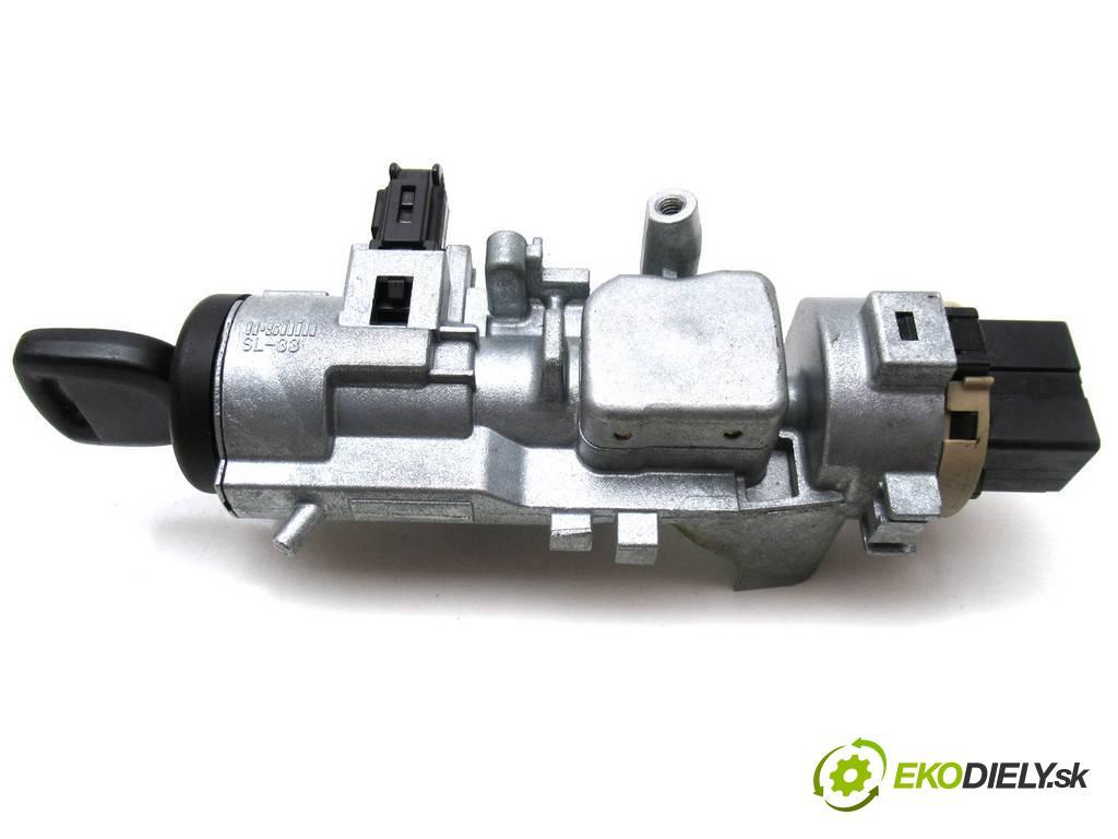 Mazda MPV II  2004  2.0CITD 136KM 99-06 2000 spinačka  (Spínacie skrinky a kľúče)