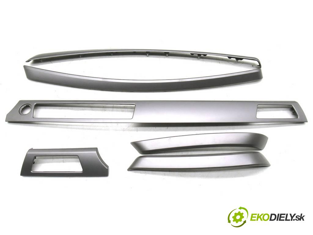 BMW E90    SEDAN 4D 2.0i 170KM 04-11  lišty kryt -  (Lišty)