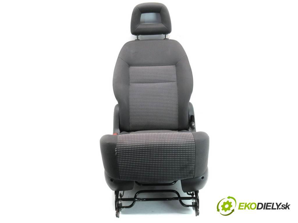 Seat Alhambra LIFT    1.9TDI 131KM 00-10  Sedadlo zadný  (Sedačky, sedadlá)