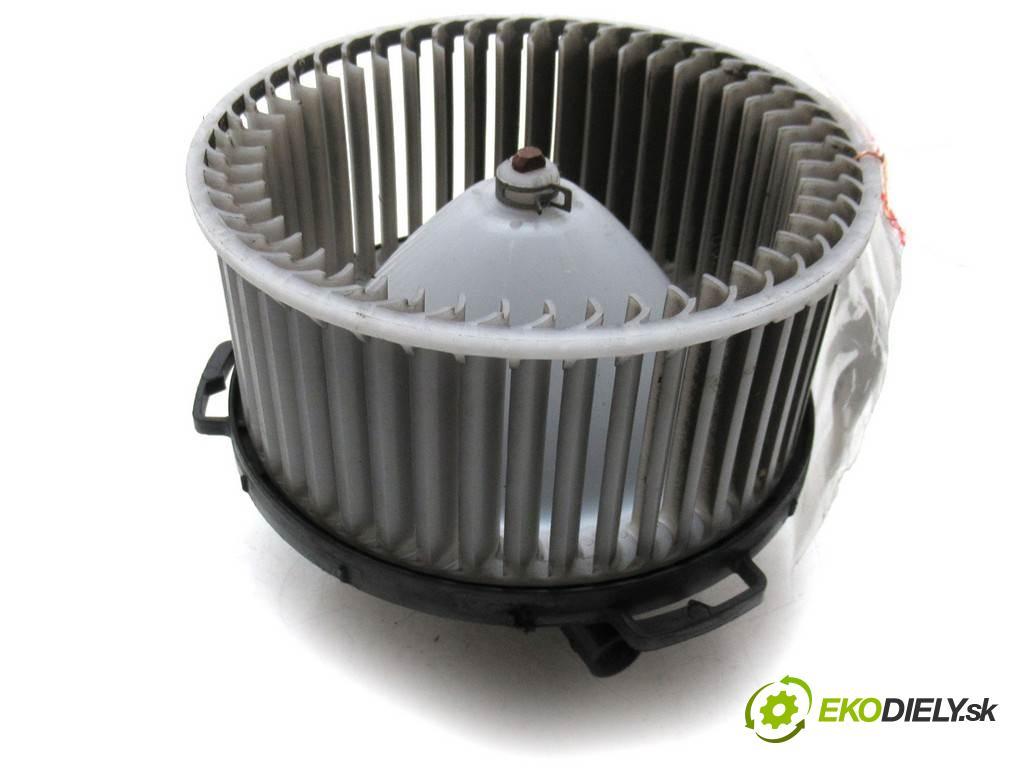 Mazda 5 Premacy II  2006 145KM 2.0B 145KM 05-08 2000 ventilátor - topení 894000-0270 (Ventilátory topení)