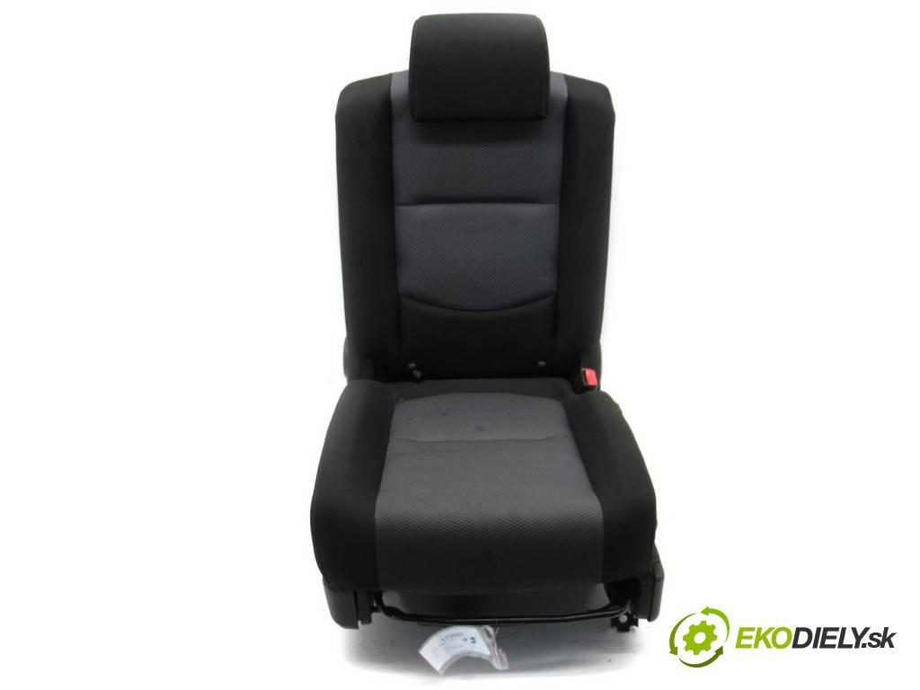 Mazda 5 Premacy II    2.0B 145KM 05-08  Sedadlo zadný  (Sedačky, sedadlá)