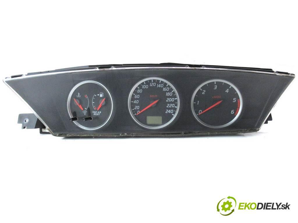Nissan Primera P12  2002  SEDAN 4D 2.2Di 126KM 01-07 2200 Prístrojovka  (Prístrojové dosky, displeje)