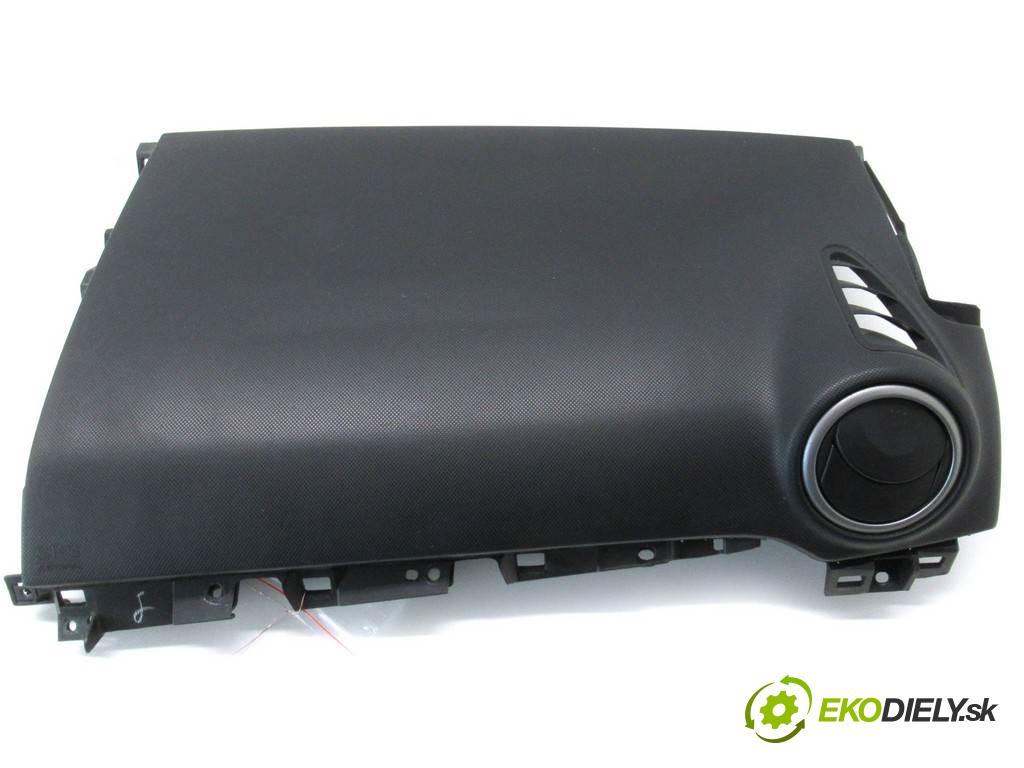 Mazda 3  2007  HATCHBACK 5D 1.6B 105KM 03-09 1600 Kryt silentbloku spolujazdca  (Plasty, kryty, obaly interiéru)