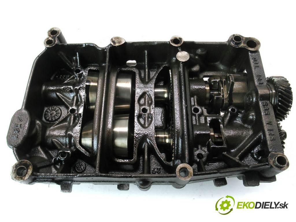 Volkswagen Passat B6    KOMBI 5D 2.0TDI 140KM 05-10  Pumpa oleja 03L103537 (Olejové pumpy)