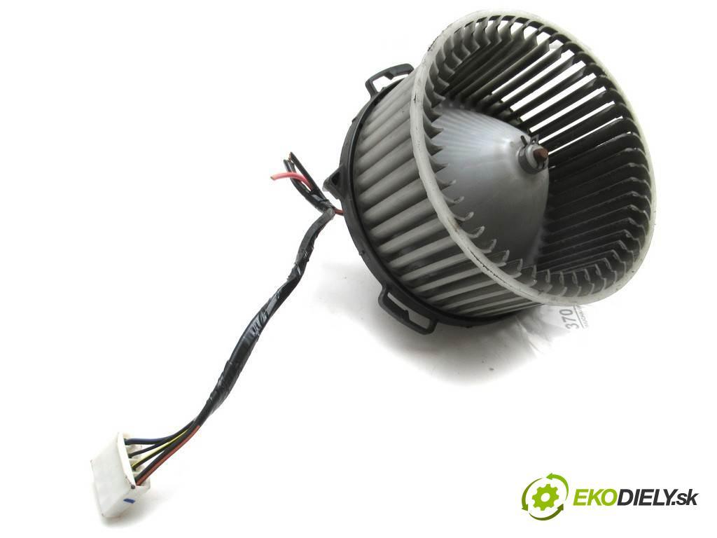 Mazda 3  2004  SEDAN 4D 1.6B 105KM 04-09 1600 ventilátor - topení 894000-0270 (Ventilátory topení)