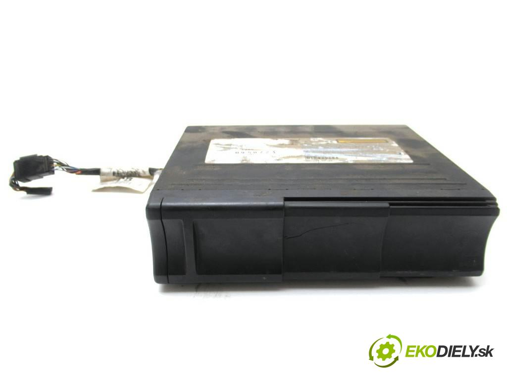 Ford Focus  2000  SEDAN 4D 1.8TDDi 90KM 98-04 1800 Menič CD XS4F-10C830-AE (CD meniče)
