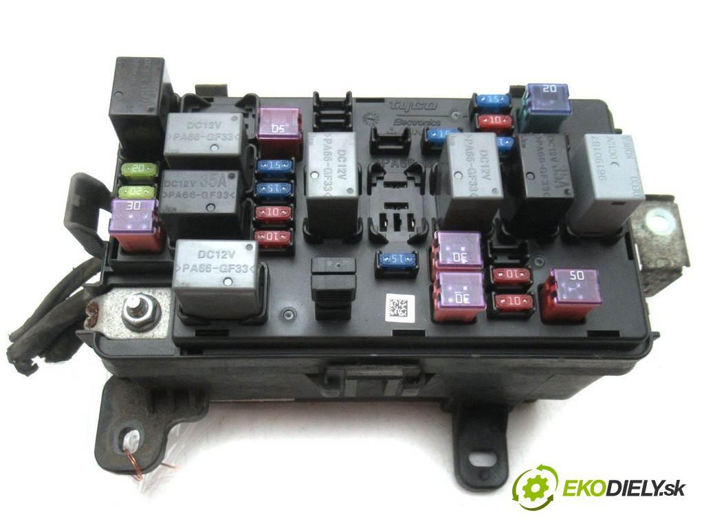 Chevrolet Aveo  2008  T250 SEDAN 4D 1.2B 72KM 06-11 1200 skříňka poistková  (Pojistkové skříňky)