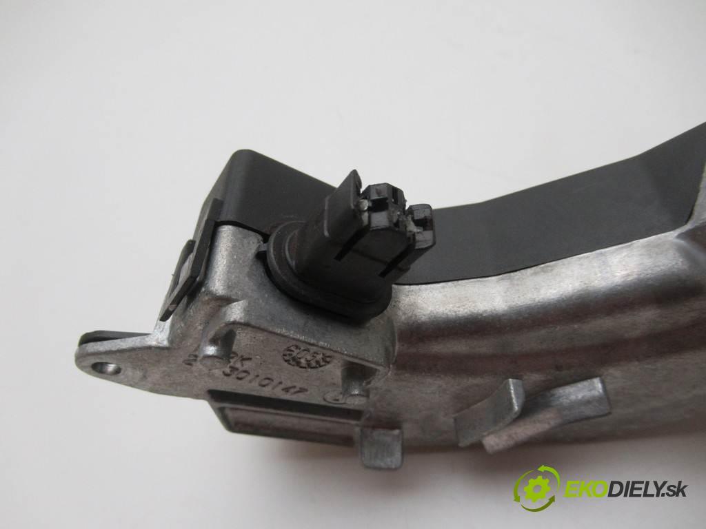 Opel Vectra C LIFT  2006  KOMBI 5D 1.9CDTI 150KM 02-08 1900 odpor rezistor topení vzduchu 73421312U (Odpory topení)